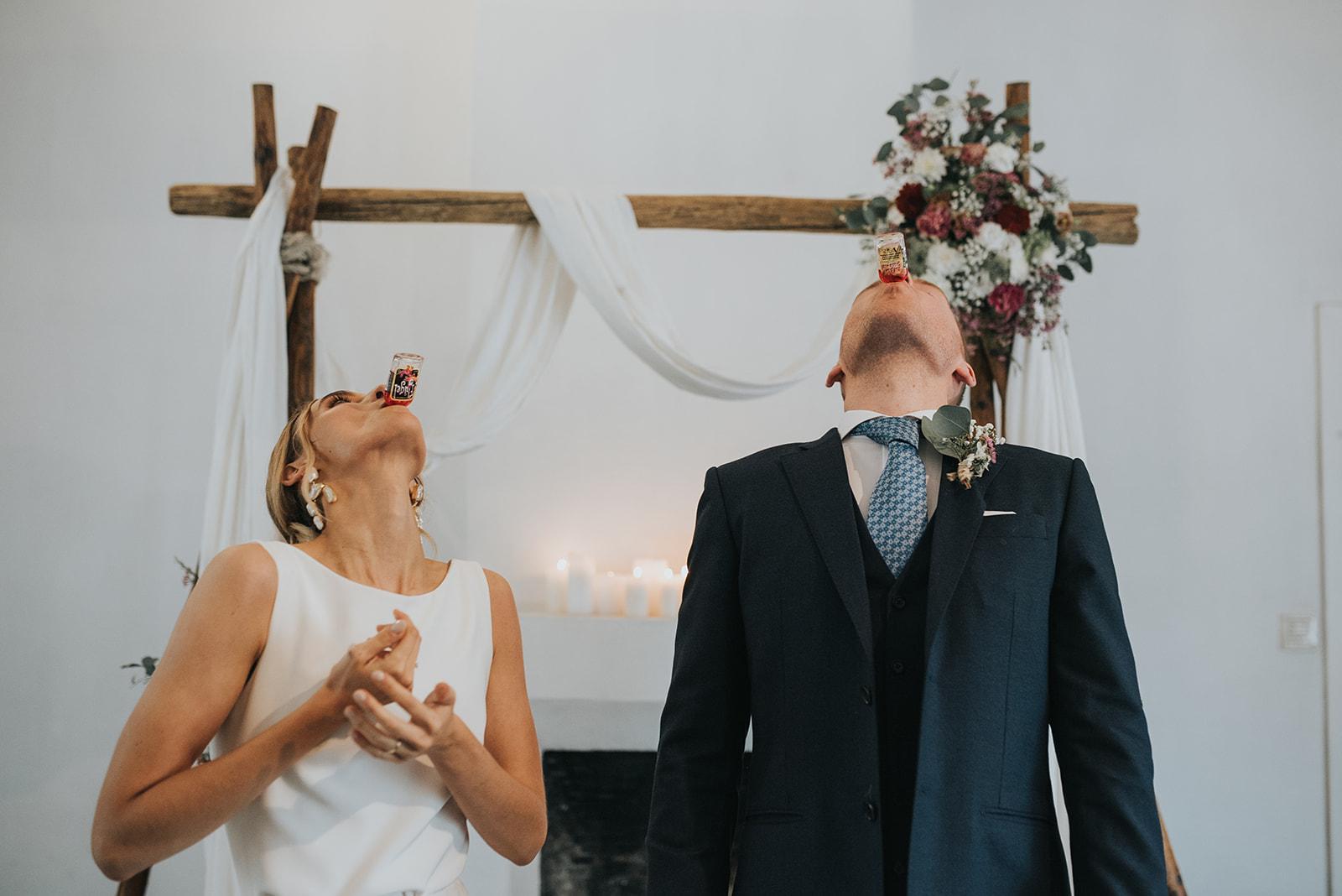 Maxime en Stijn persoonlijke authentieke ceremonie de kus